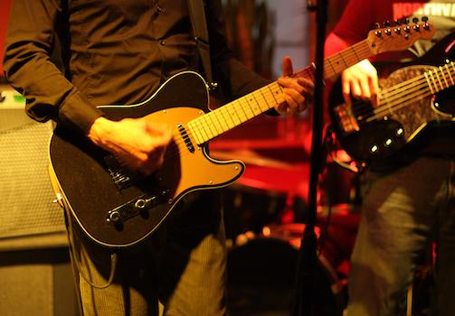 band at bar