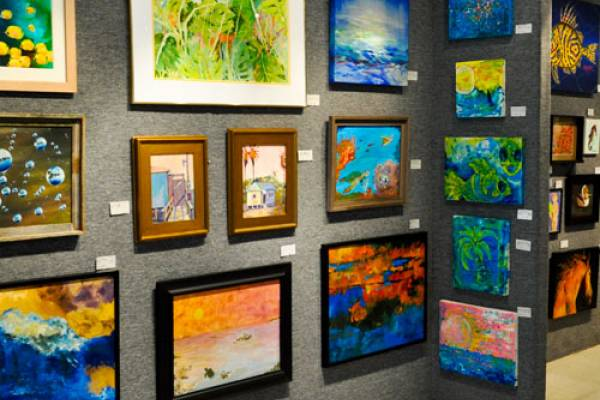 The Port Aransas Art Center is a community of artists and art patrons who value art and are dedicated to fostering and supporting the creative process that is art. The Center provides time, space, resources and art education for an enthusiastic and ever-increasing audience.