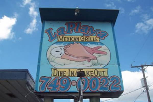 Delicious mexican food including amazing shrimp and crab stuffed enchiladas and daily fresh fish specials. Plus all the Tex Mex we all love so much. Over 70 types of tequilas to create your dream margarita. Great food and superb service.
