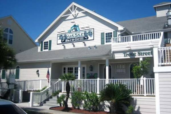 Trout Street Bar and Grill strives to bring you the best in food and service. The seafood is the freshest possible; steaks are U.S.D.A. Certified Choice Beef; and all poultry is ranch raised and of the highest quality. It is their goal to give you an exceptional dining experience in a beautiful yet casual island atmosphere. Trout Street hopes that you enjoy your meal and have a pleasant stay in Texas's unique island getaway.