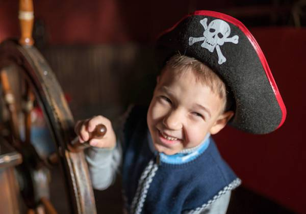 kid enjoying pirate ship cruise